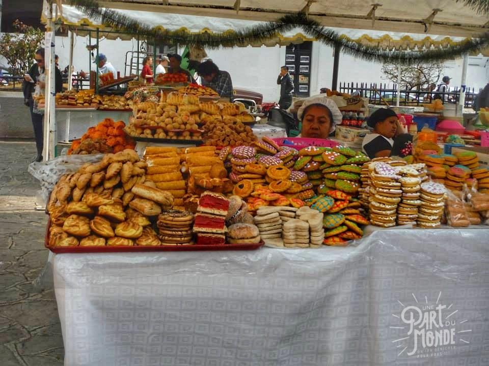 Pâtisseries en face de la Cathédrale de San Cristobal