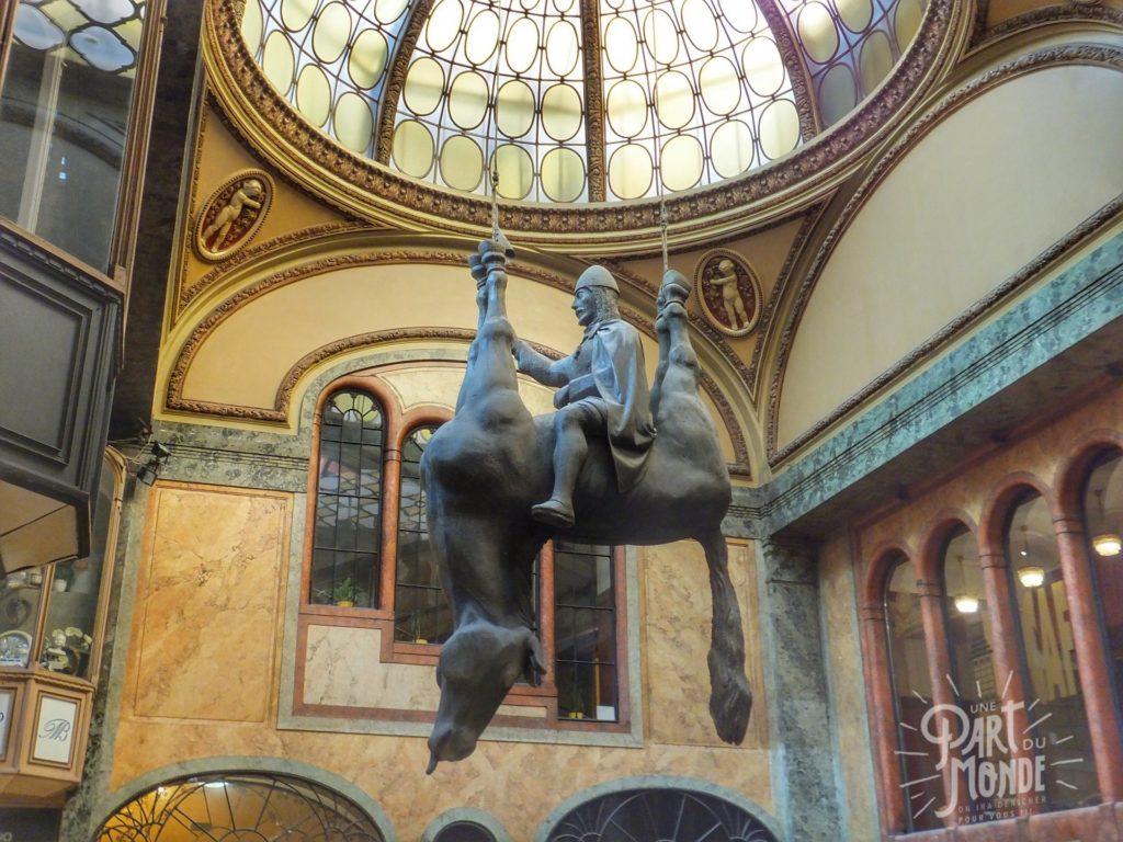 statue-cheval-renverse-prague