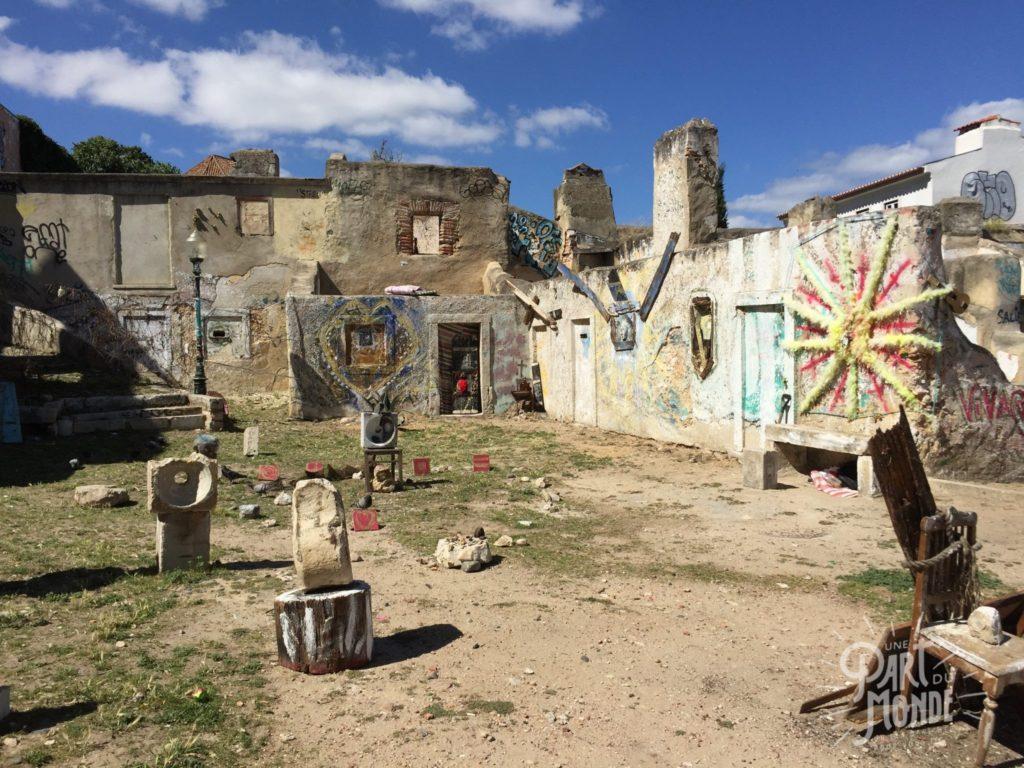 week-end à lisbonne graffiti ruine
