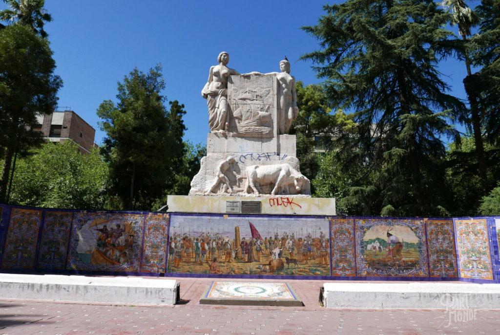 Plaza espana statue mendoza