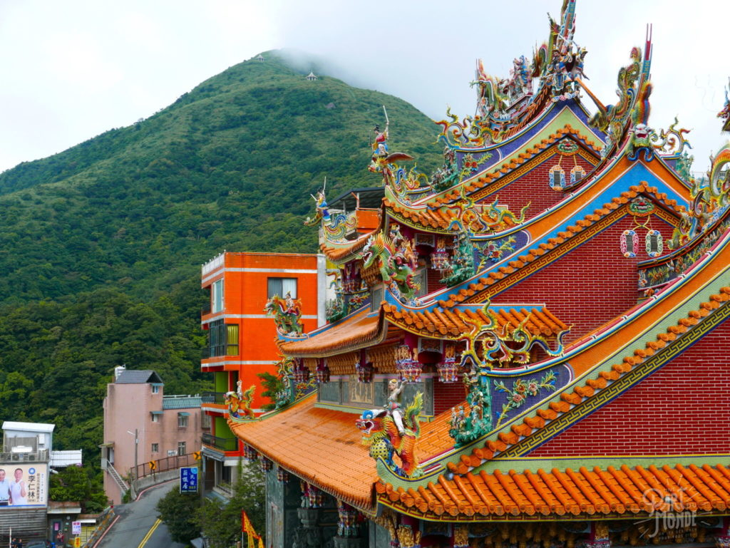 jiufen temple