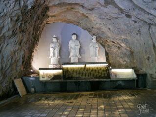 gorges de taroko statues