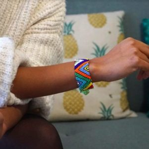 bracelet en perles souple indonésie