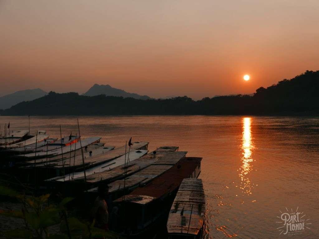 retour de mon tour du monde coucher de soleil laos