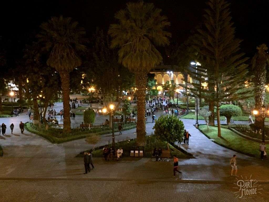 plaza de armas nuit arequipa
