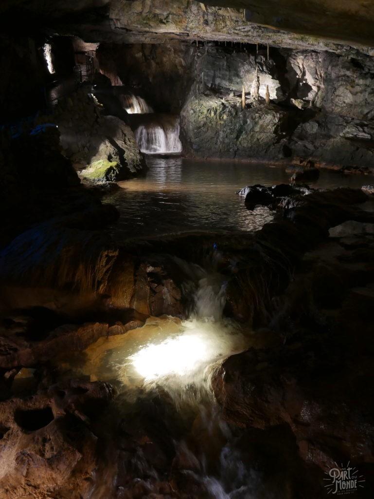 cascade beatus cave