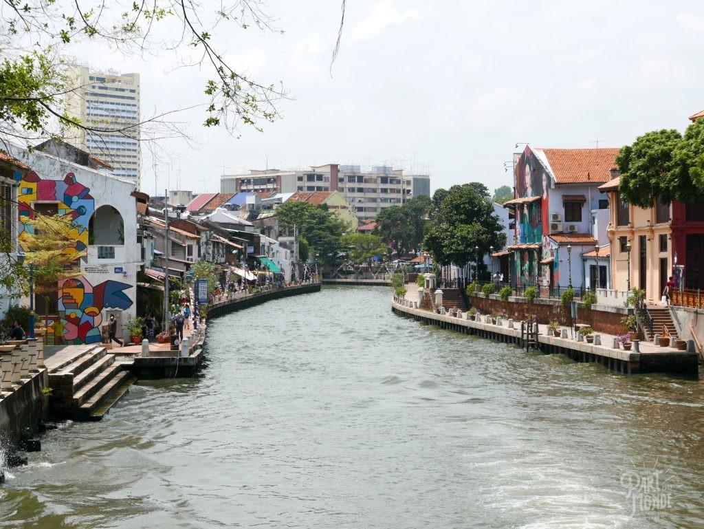 river walk malacca 2